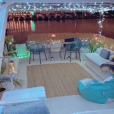 Tiki Boat Party Yacht