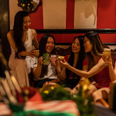 Tinseltown Christmas Themed Pop-Up Bar in Miami